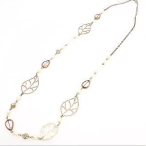 Jewelry - Pearl & Leaf Necklace